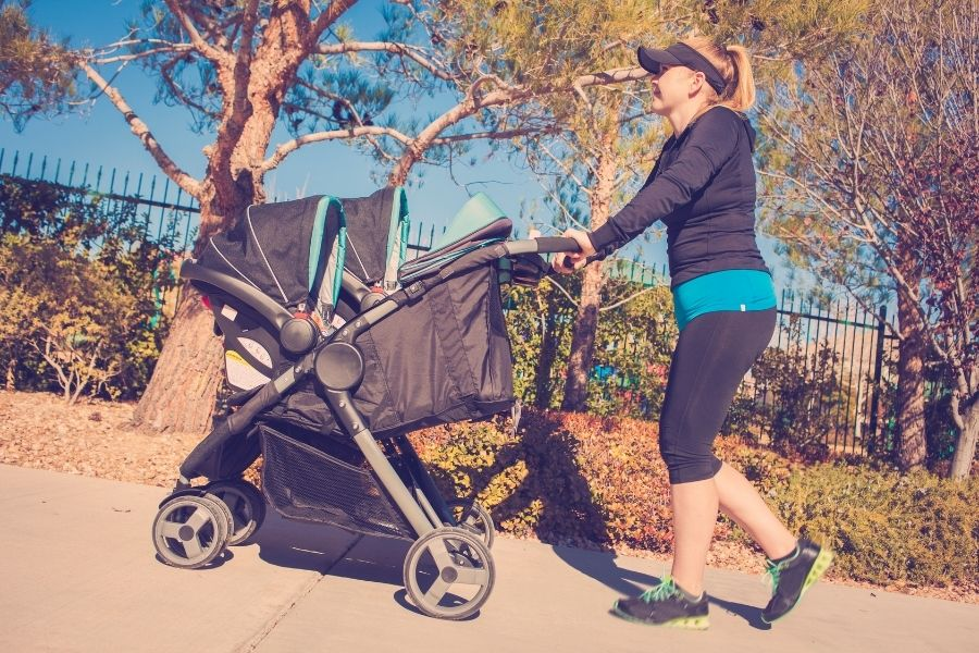 Full Size Strollers To Safely Snug Your Baby Right From The Day One