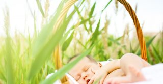 How to Sunbathe for Newborn Babies